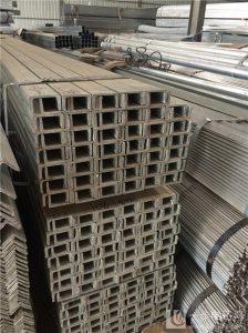 供应昆明热镀锌角钢批发,云南全省销售热镀锌材料