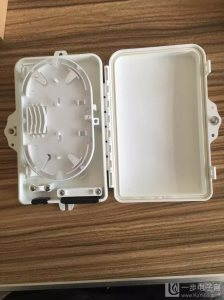 供应FTTH4芯光缆分纤箱 FDB4芯光纤分纤盒分线盒