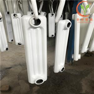 供应河北春烨暖气片散热器铸铁片M132好产品好品质